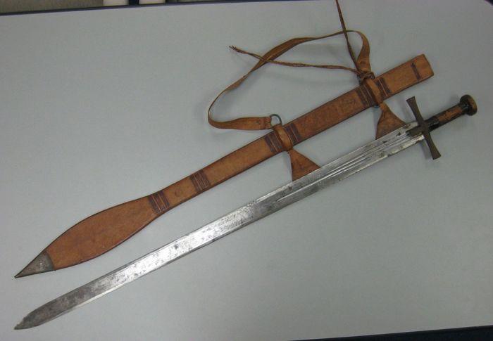 Каскара меч