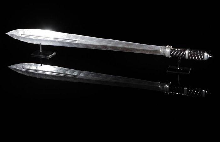 Ида меч