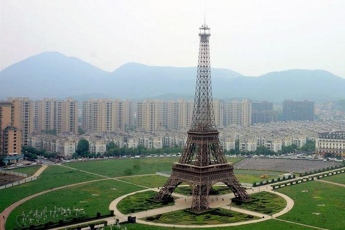 Топ 10 Самых высоких копий Эйфелевой башни